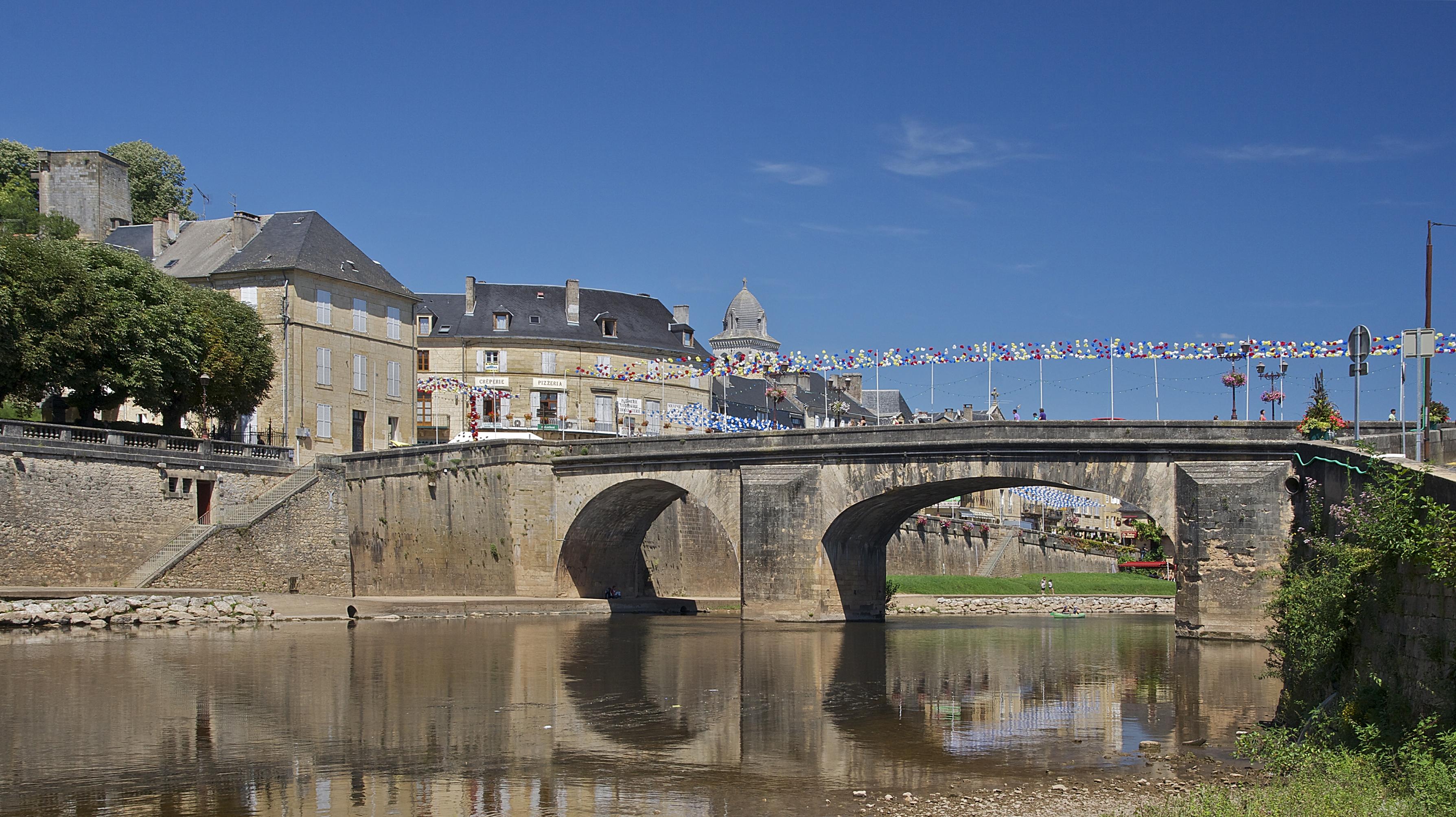 File:Pont Vézère Montignac.jpg.