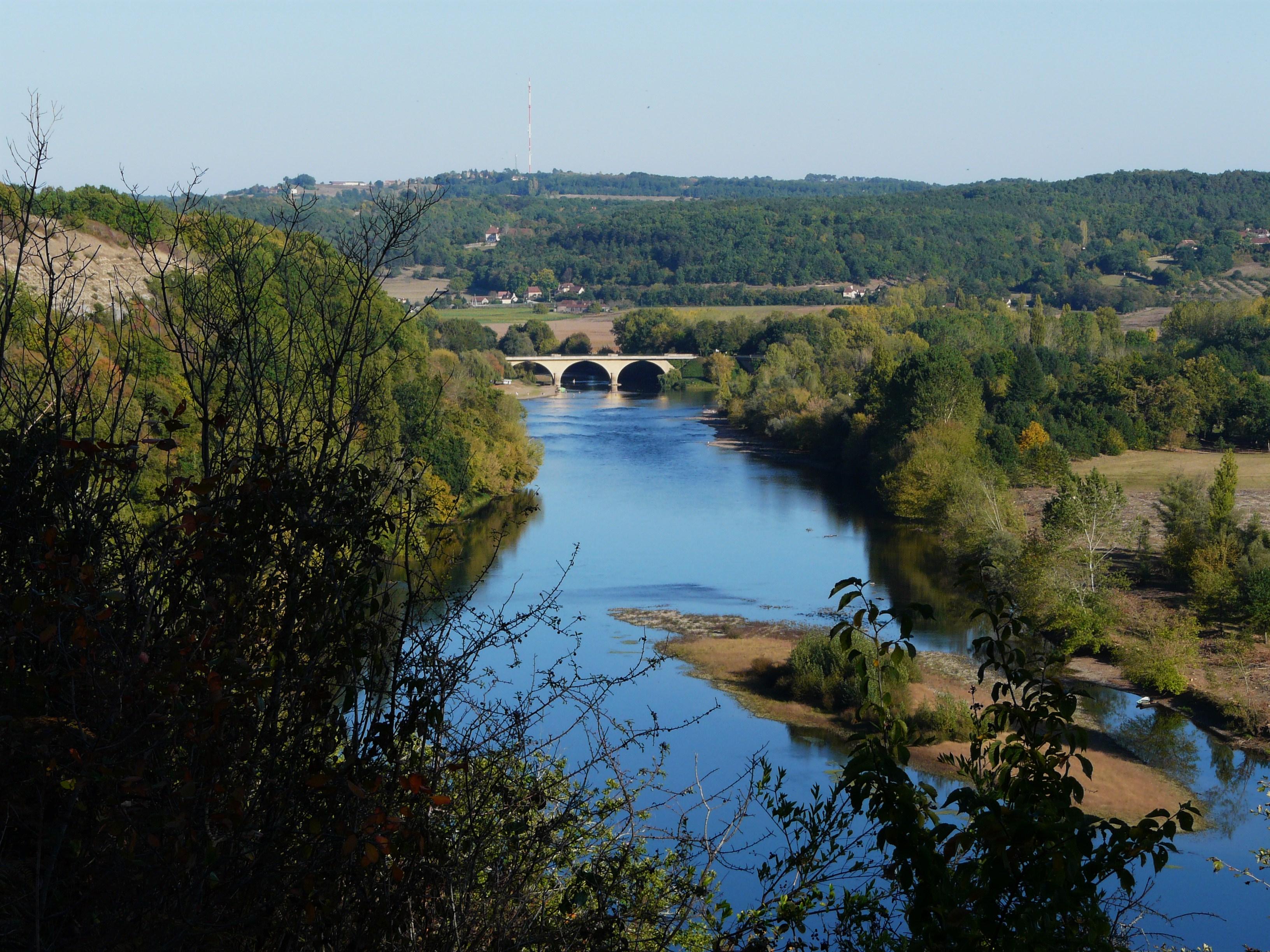 File:Dordogne Limeuil pont Vézère.jpg.