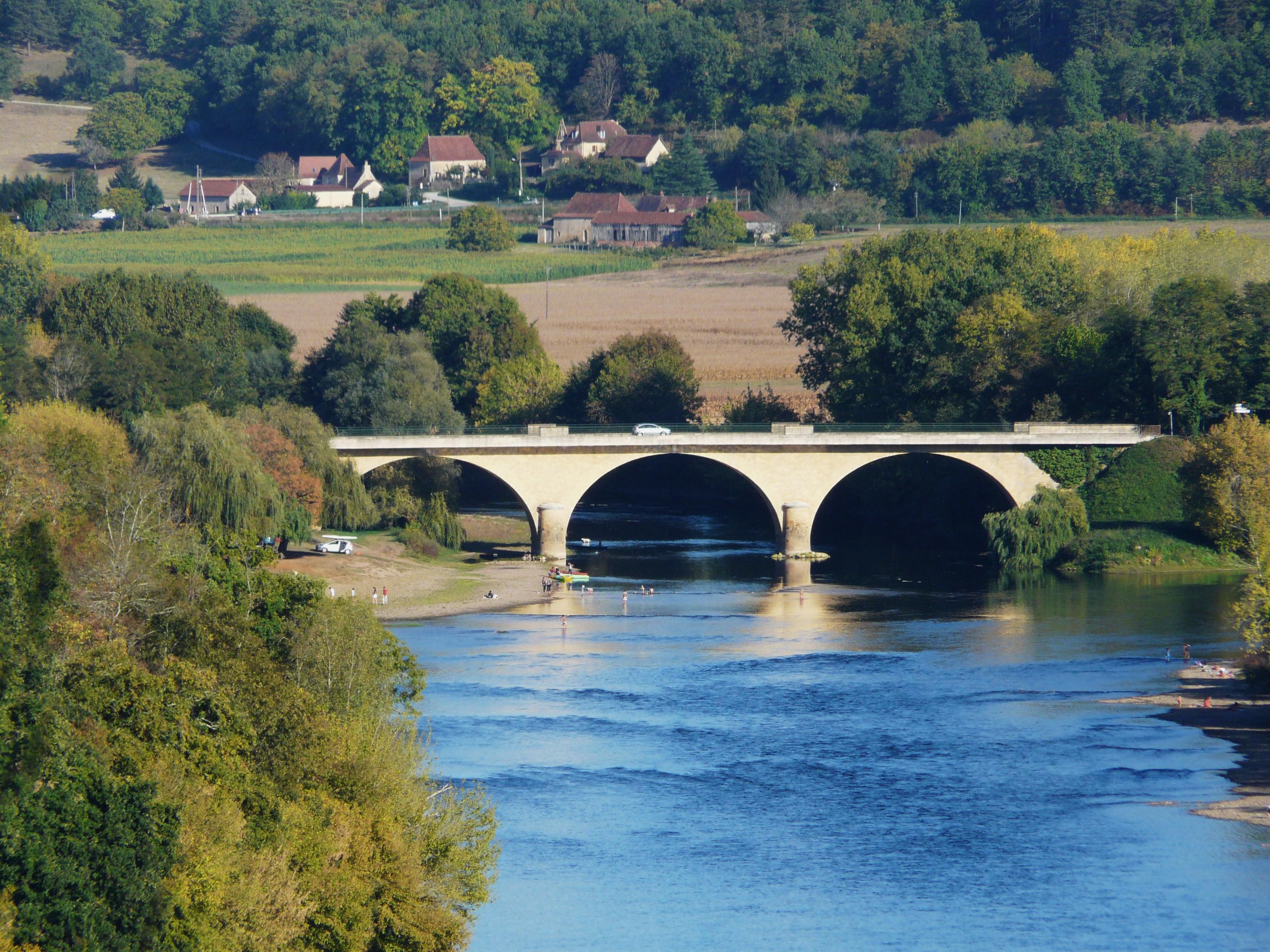 File:Dordogne Limeuil pont Vézère (1).jpg.
