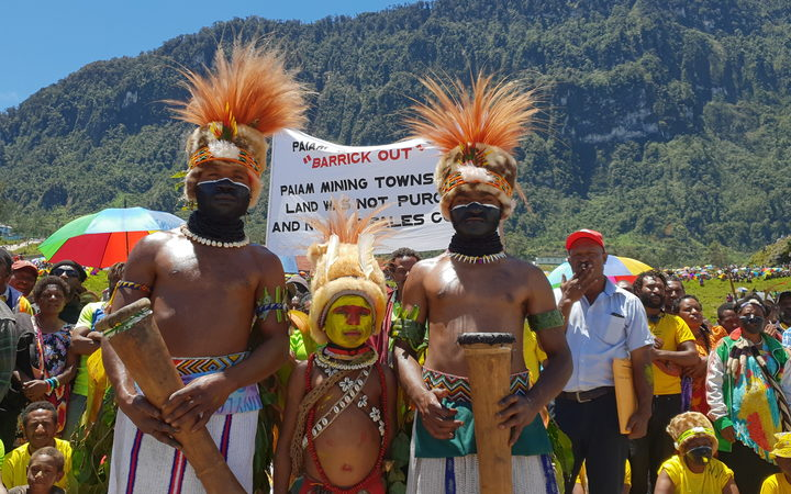 Pressure at PNG\'s Porgera mine to act on human rights.