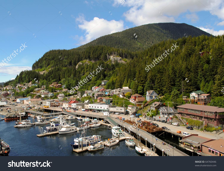 Small Alaskan Port City Imagen de archivo (stock) 64760446.