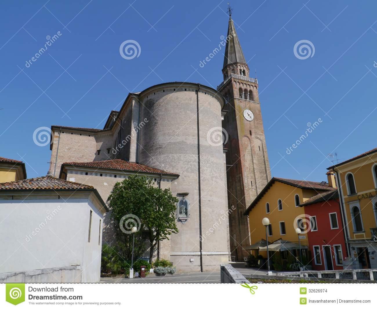 Cattedrale Portogruaro Del Campanile Immagini Stock.