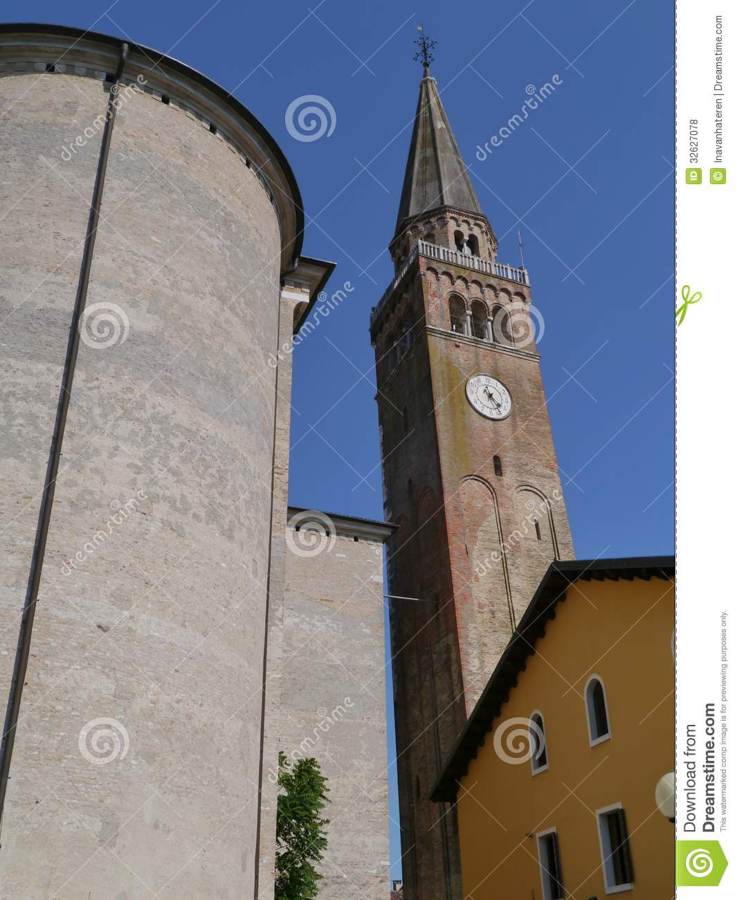 Cattedrale Portogruaro Del Campanile Fotografie Stock Libere da.