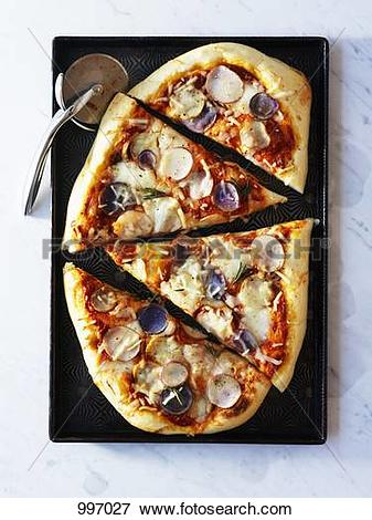 Picture of Potato pizza, cut into pieces (overhead view) 997027.
