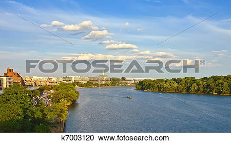 Stock Photography of Potomac river, Washington DC k7003120.