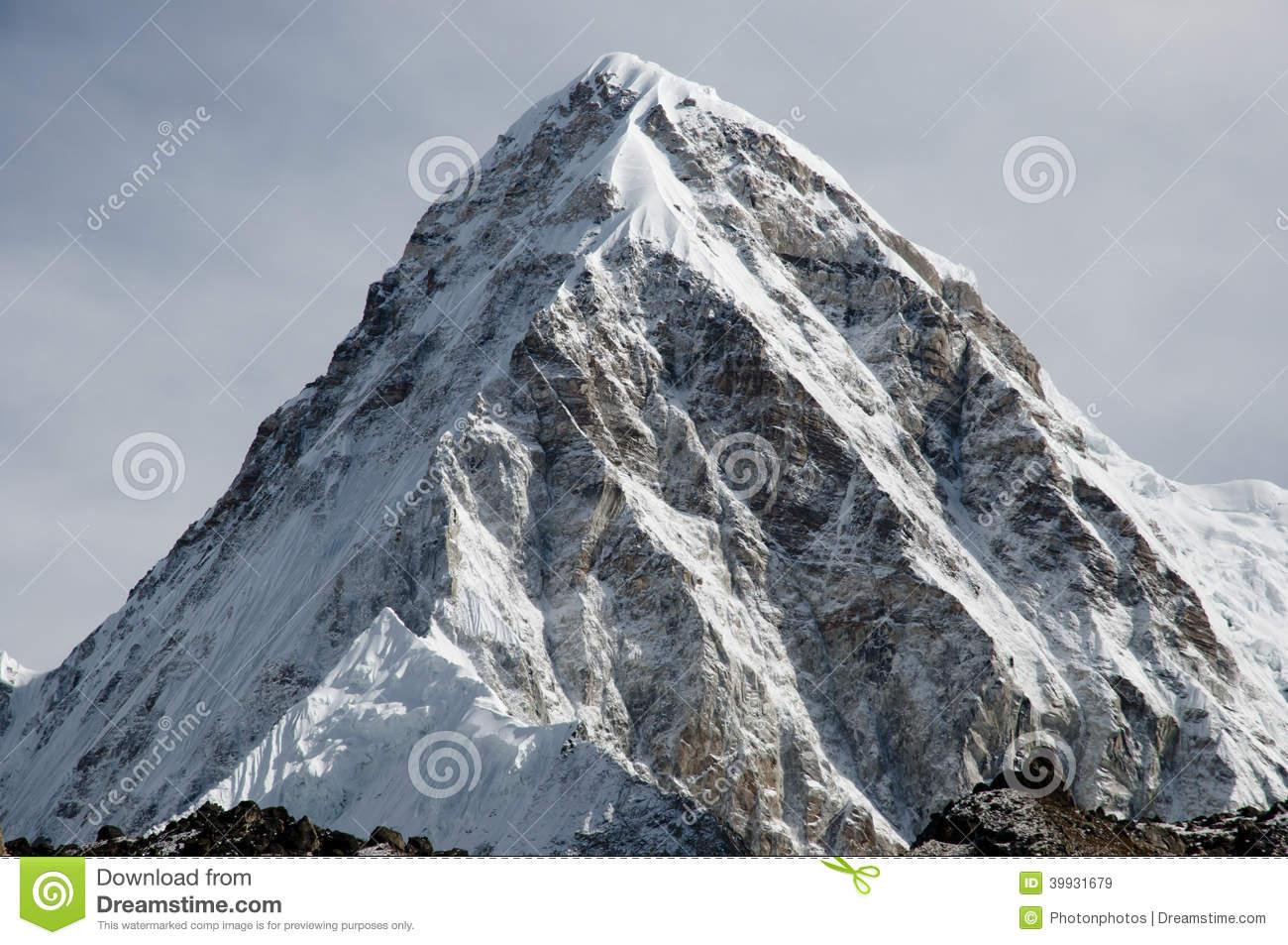 Pumori Peak.
