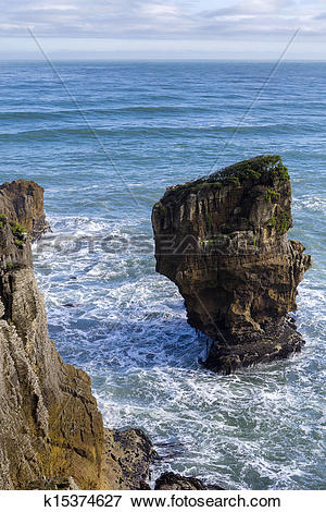 Picture of Pancake Rocks at Punakaiki k15374627.