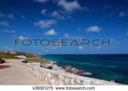 Stock Image of Isla Mujeres Acantilado Amanecer Punta Sur across.