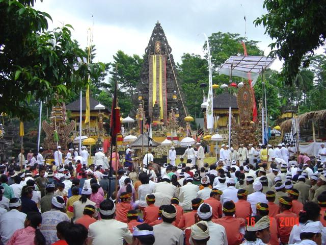 kanduksupatra: PURA MANDARA GIRI SEMERU AGUNG (Hikayat Singkat).