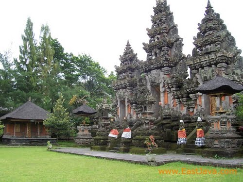 The Temple of Mandara Giri Semeru Agung.