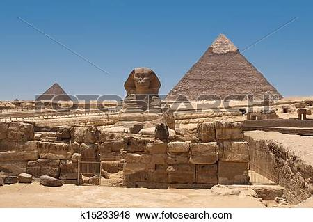 Pictures of A view of the Pyramid of Khafre from the Sphinx.