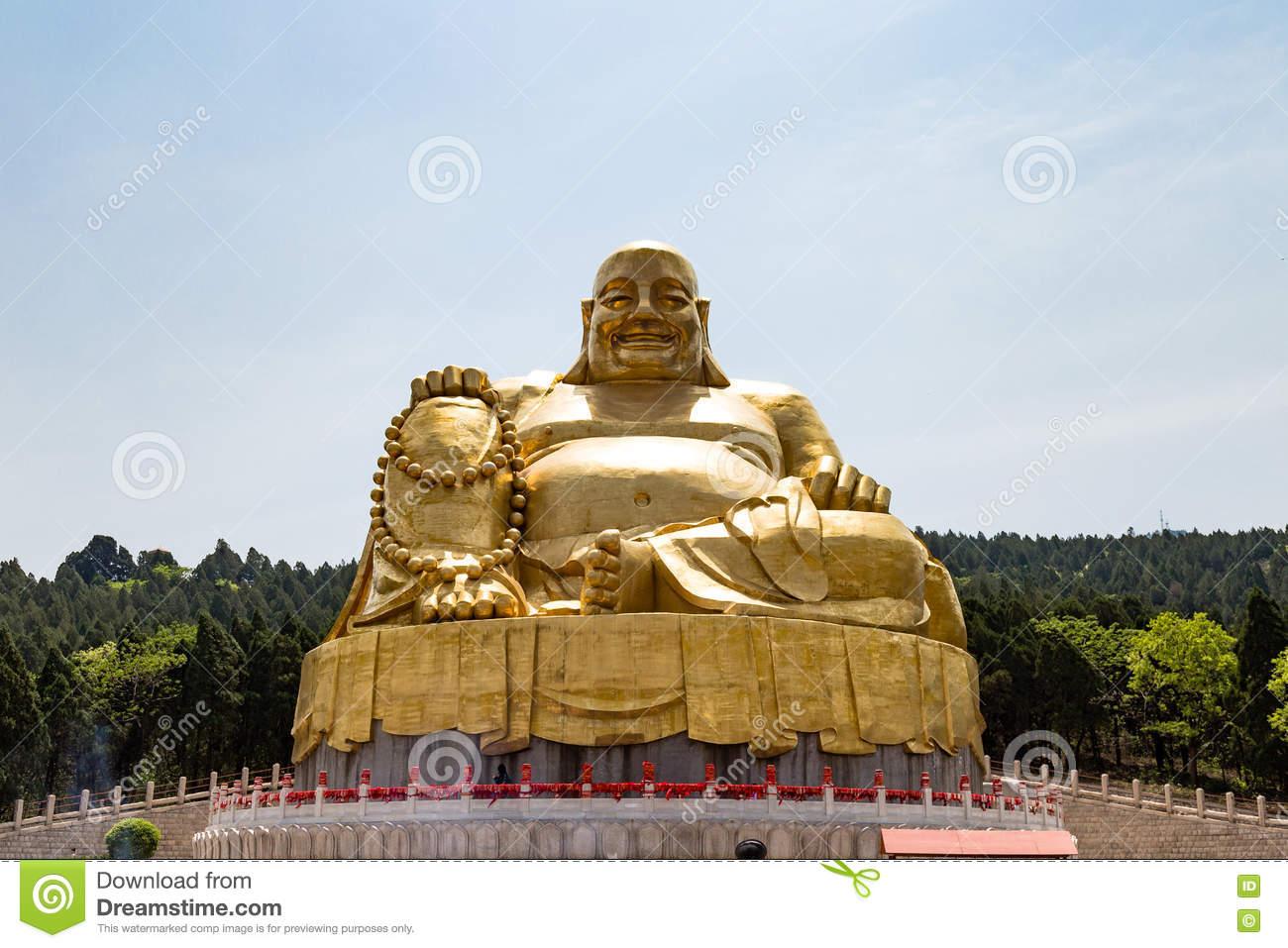 Big Golden Statue Of Buddha In Qianfo Shan, Jinan, China Stock.