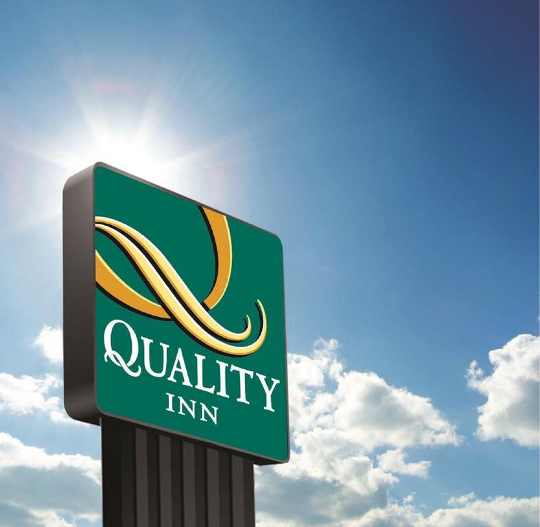 Quality Inn & Suites, Detroit Lakes.