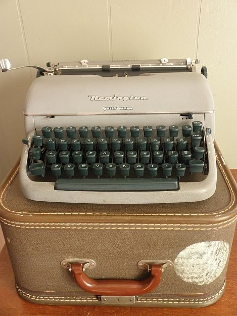 1950s Remington Quiet Riter Miracle Tab by SarahAnntiques on Etsy.