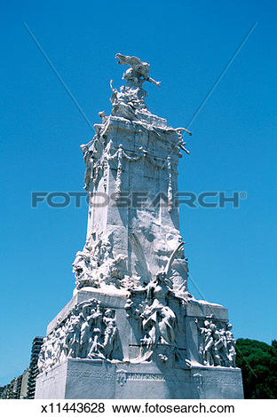 Pictures of Low angle view of Rio de la Plata monument, Buenos.