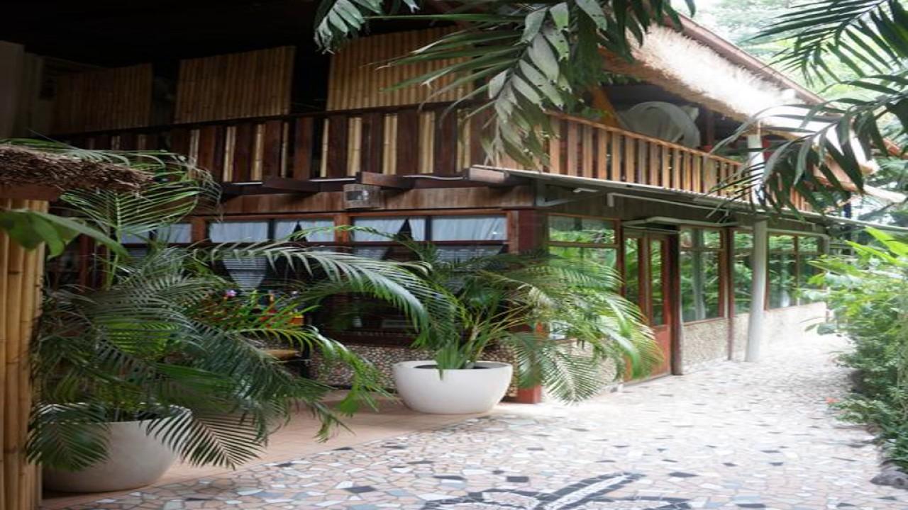 Raintree Lodge.