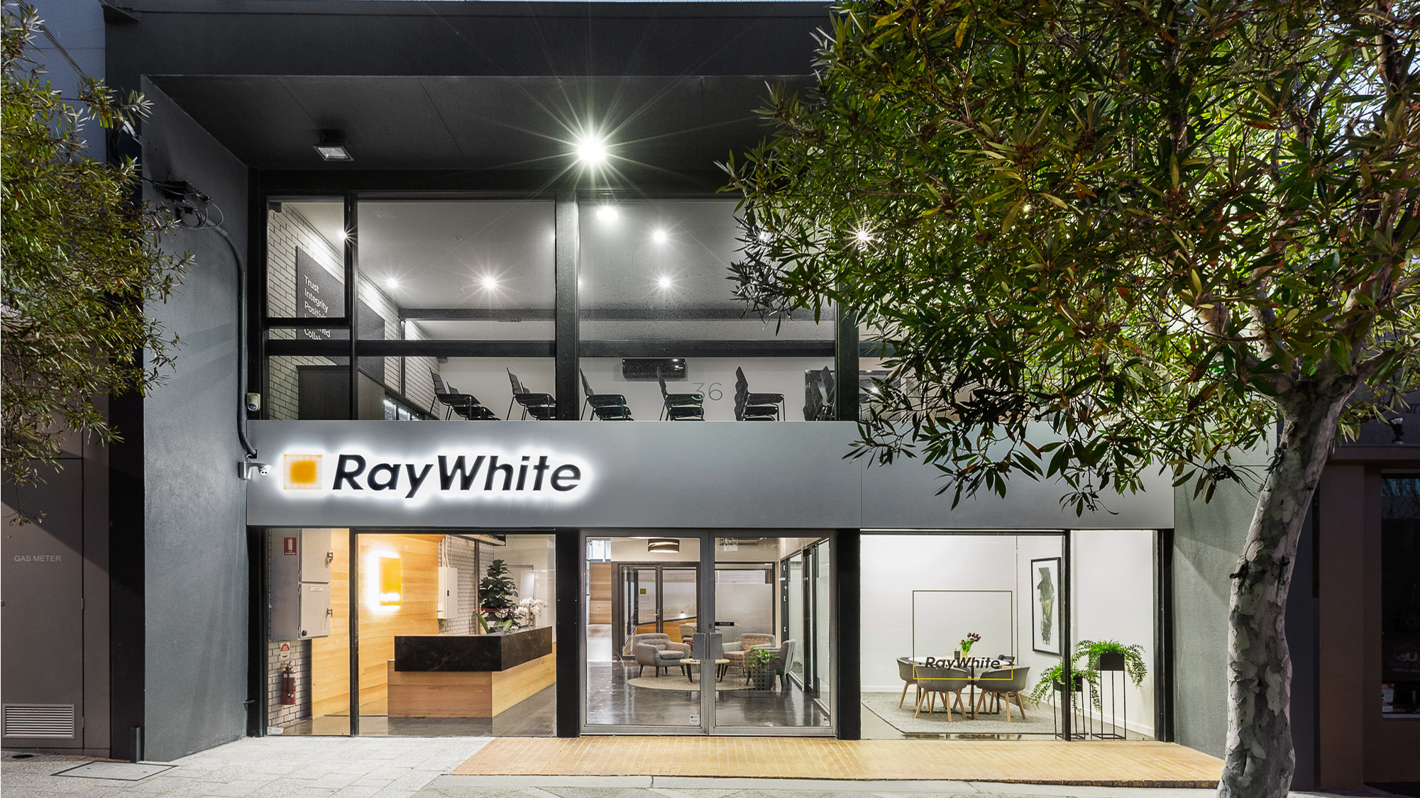 Ray White study shows principals earn more than the benchmark.