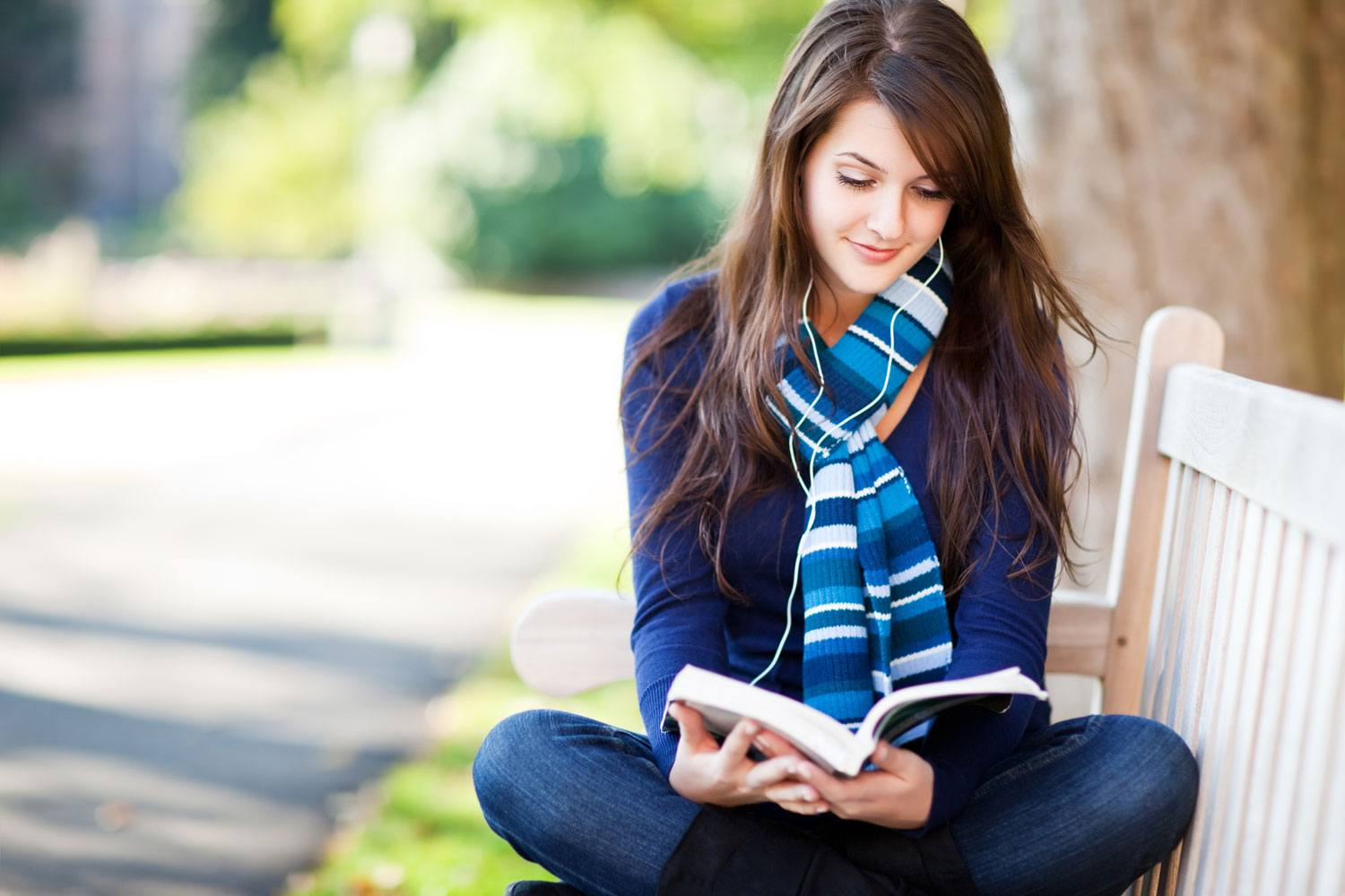5 Powerful Mind Hacks to Read 10X More Books This Year.
