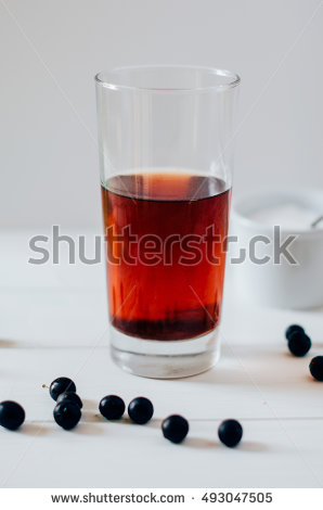Sloe gin clipart.