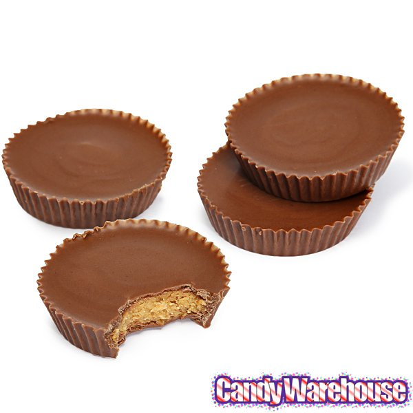 Reese\'s Peanut Butter Cup Clipart.