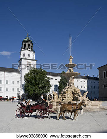 "Stock Photography of ""Fiacre, Glockenspiel, Residenzbrunnen."