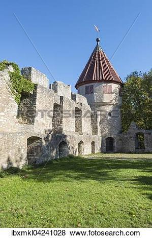 Pictures of Homberg castle ruins in Tuttlingen, Baden.