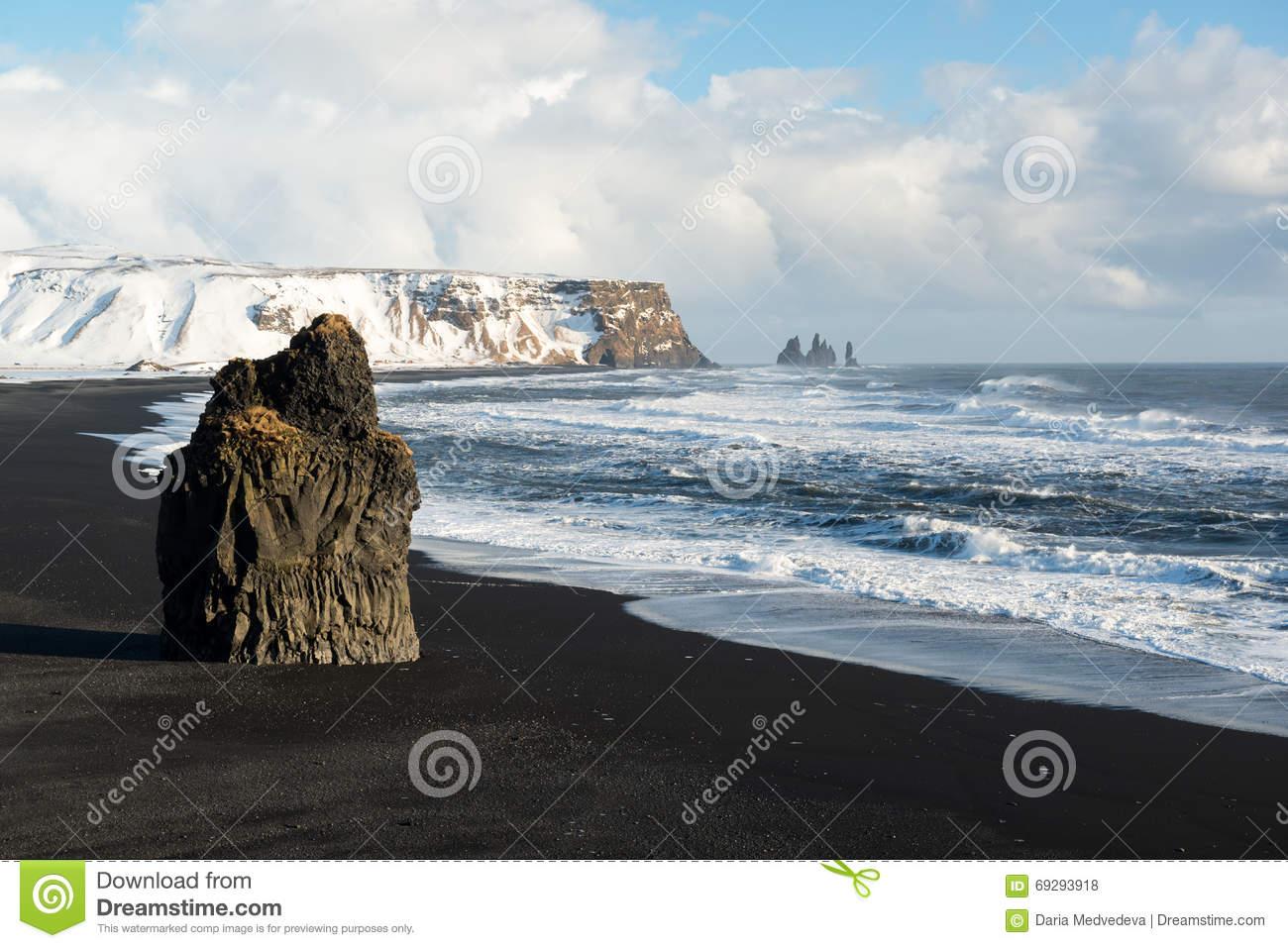 Reynisdrangar Basalt Sea Stacks, Iceland Stock Photo.