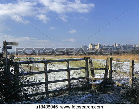 Stock Images of England, West Sussex, Arundel, Footpath and stile.