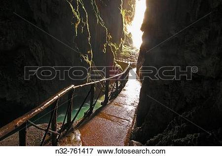 Picture of Piedra River Cave Iris inside the ?Cola de Caballo.