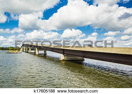 Pictures of Large Span Bridge k17605188.