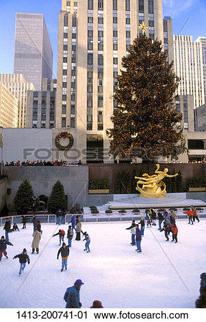 Stock Photography of Ice skating at Rockefeller center. 1413.