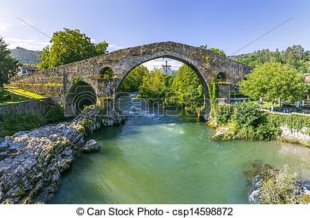 Picture of Roman stone bridge in Cangas de Onis.