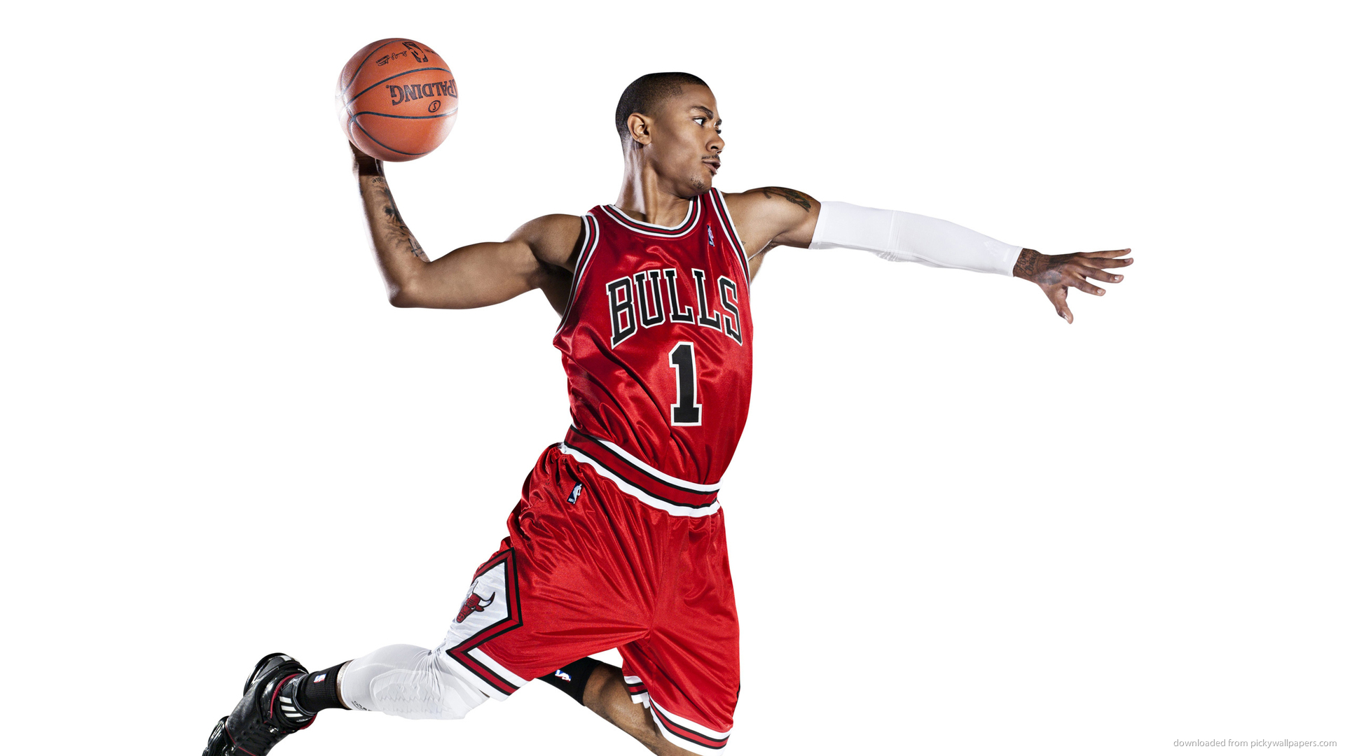 Derrick Rose throwing the ball.