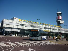 by plane from Rotterdam :: Welcome in The Hague!.