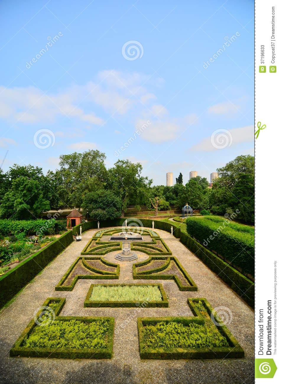 Maze Garden At At Royal Botanic Gardens, Kew Stock Photos.
