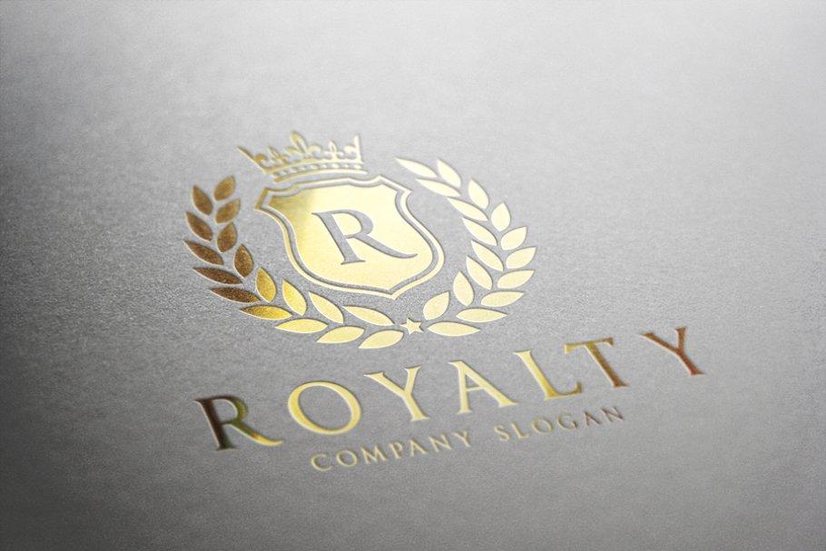 Royalty Logo ~ Logo Templates ~ Creative Market.