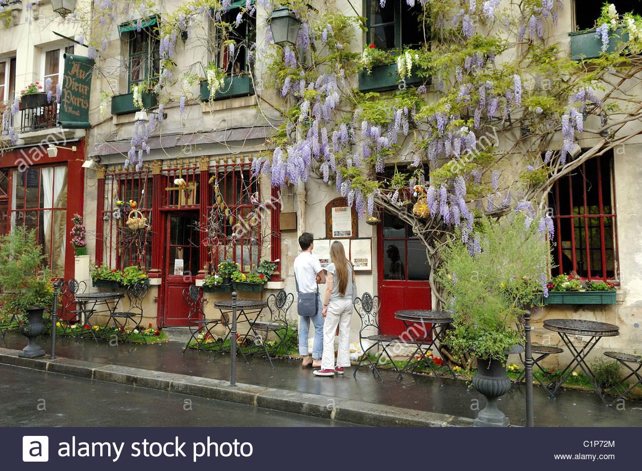France, Paris, Ile De La Cite, Au Vieux Paris D' Arcole Restaurant.