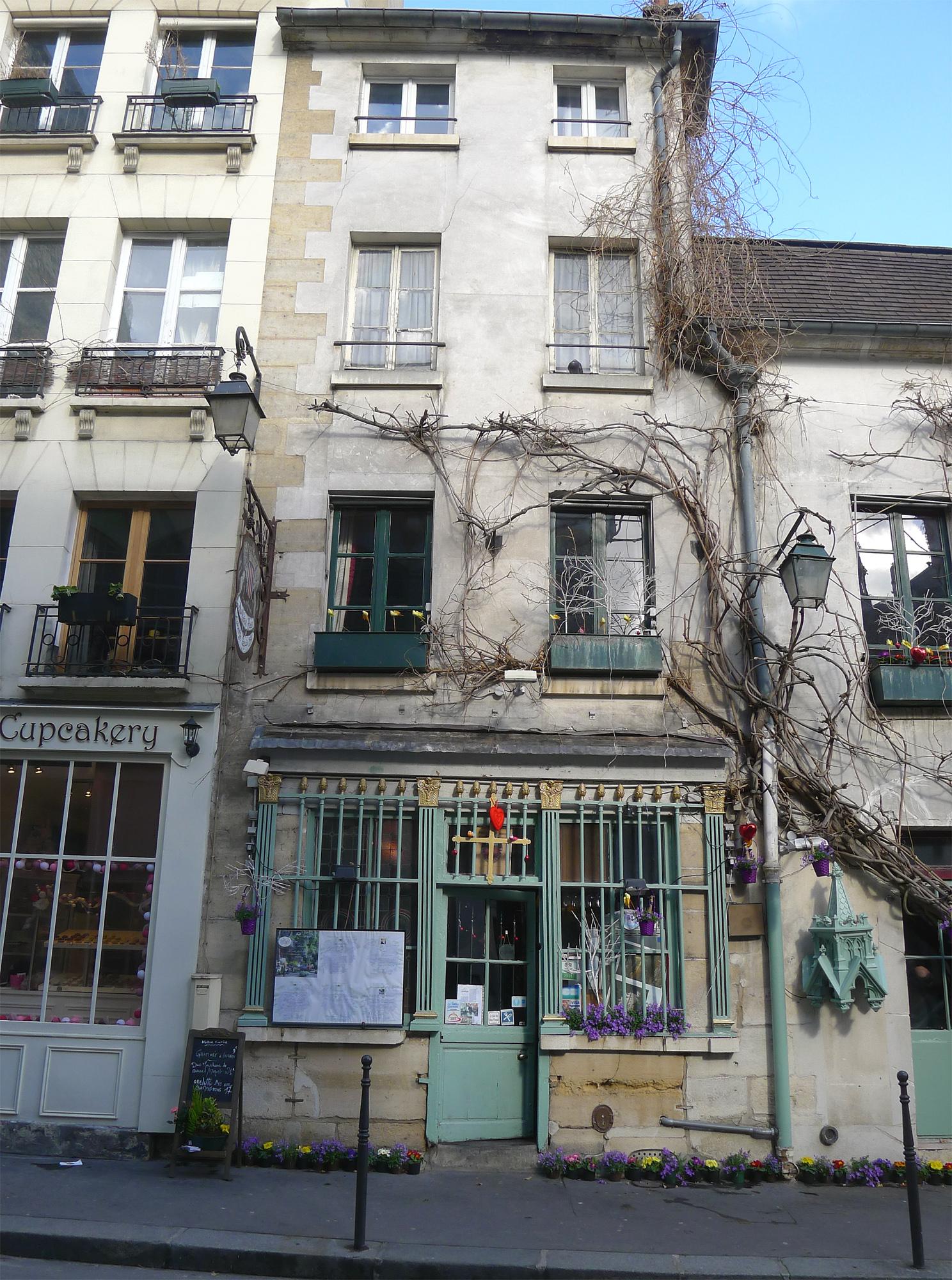 File:P1160460 Paris IV rue Chanoinesse n°24 PA00086255 rwk.jpg.