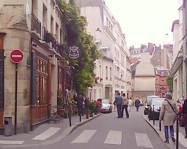 File:Rue chanoinesse.jpg.