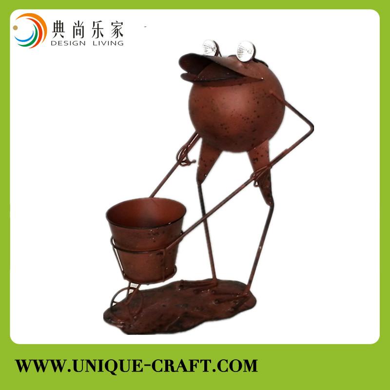 Garden Rusty Flower Pot Decoration, Garden Rusty Flower Pot.