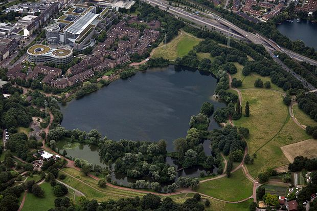 Südpark (Düsseldorf).