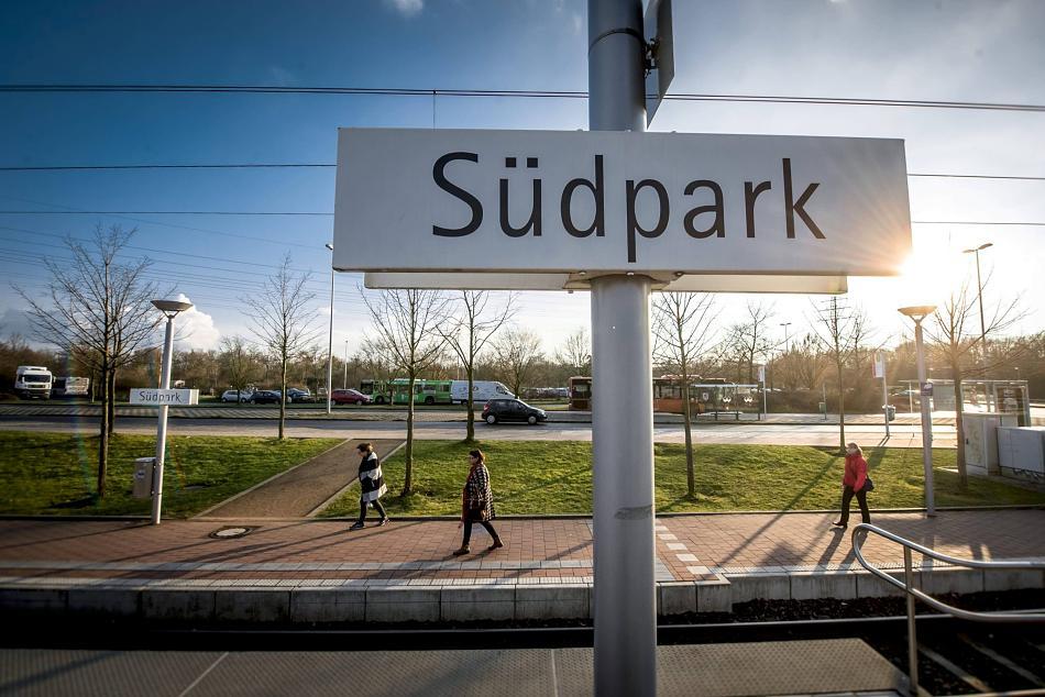 Fernbusse in Düsseldorf: Südpark ist Favorit für Busbahnhof.