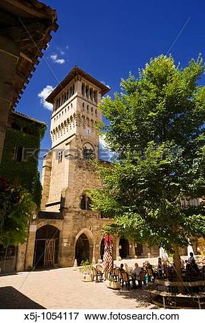 Picture of The medieval Maison des Consuls building in the town.