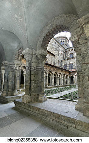 """Pictures of """"Cloister of cathedral Notre Dame, Le Puy en Velay."""