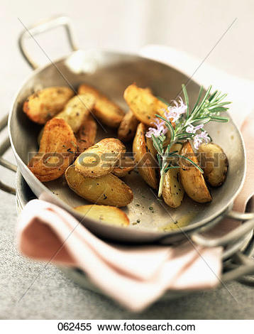 Stock Image of Grenaille potatoes with sea salt and Provençal.
