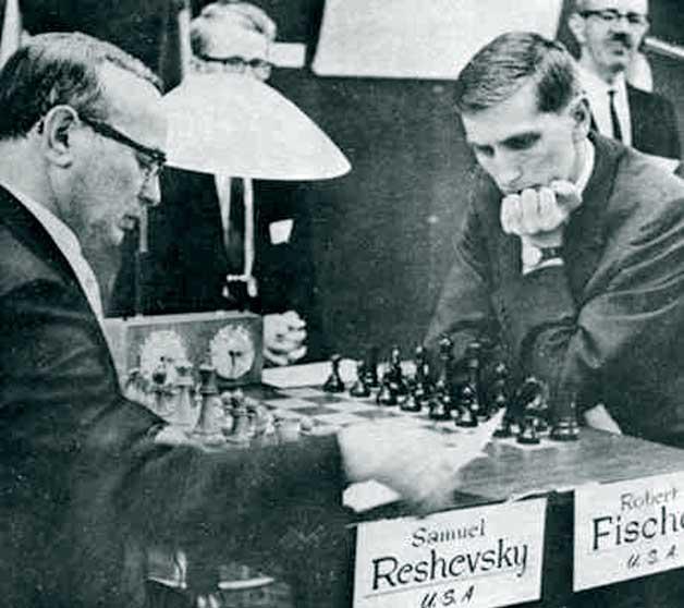 Reshevsky vs Robert James Fischer (1966).