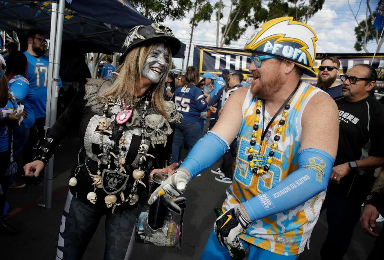 Chargers Lose To Raiders; LaDainian Tomlinson Bemoans The.