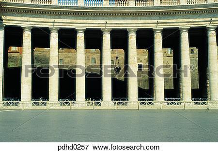 Picture of San Pietro Basilica, San Pietro Basilica, corridor.