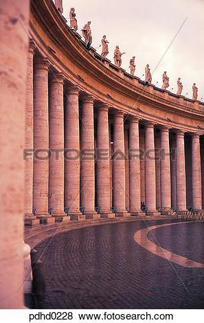 Pictures of San Pietro Basilica corridor, San Pietro Basilica.