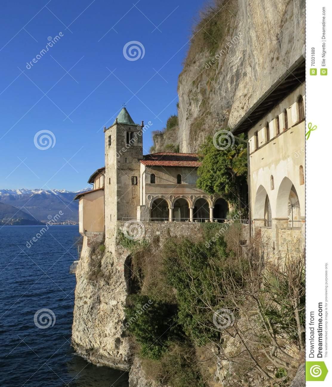 L'eremo Di Santa Caterina Del Sasso, Fotografia Stock.